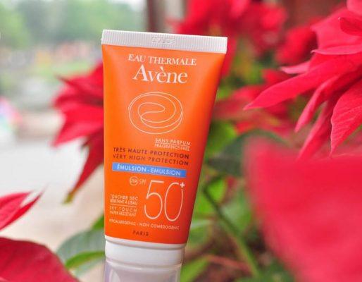 Kem chống nắng Avène Protection Emulsion SPF50+ cho da hỗn hợp