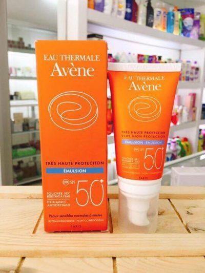 Kem chống nắng cho da hỗn hợp Avène Very High Protection Emulsion SPF50+