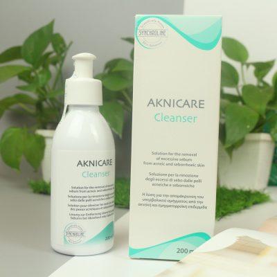 Gel rửa mặt cho da dầu mụn Aknicare Cleanser 200ml
