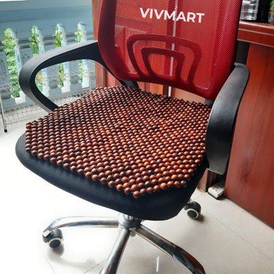 đệm ghế văn phòng hạt gỗ hương đỏ-2a