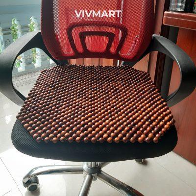 đệm ghế văn phòng hạt gỗ hương đỏ-5a