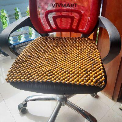 đệm hạt gỗ bách xanh lót ghế văn phòng-3
