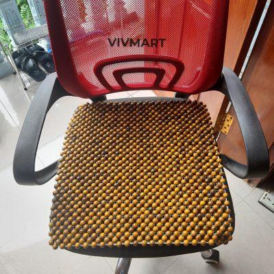 đệm hạt gỗ bách xanh lót ghế văn phòng-5