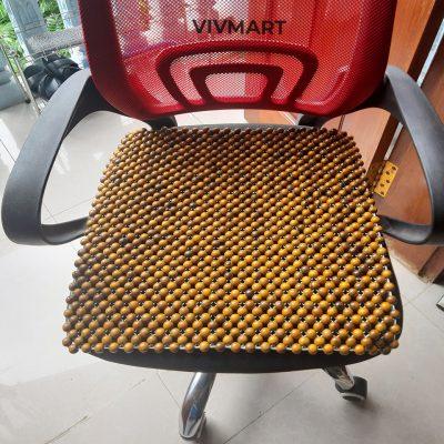 đệm hạt gỗ bách xanh lót ghế văn phòng-6